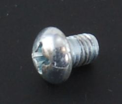 Round Head Screw 10-32 NF x 4/4