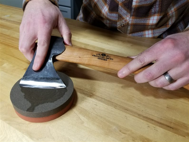 Coarse Sharpening on Norton IB64 Round India Stone