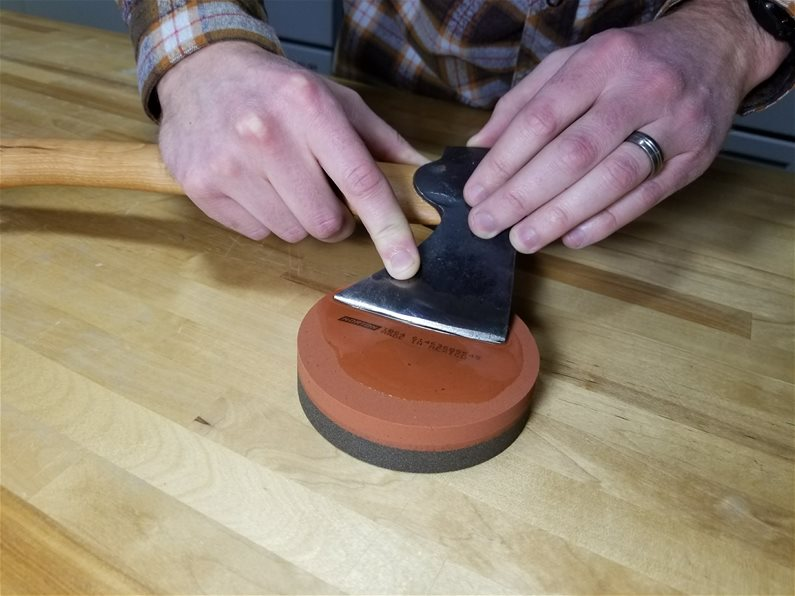 Fine Sharpening on Norton IB64 Round India Stone